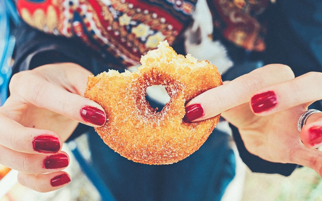 Jak rzucić słodycze? Usuwanie cukru z diety